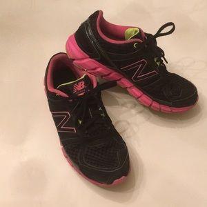 Women's New Balance running 750 v1 Shoes Size 8